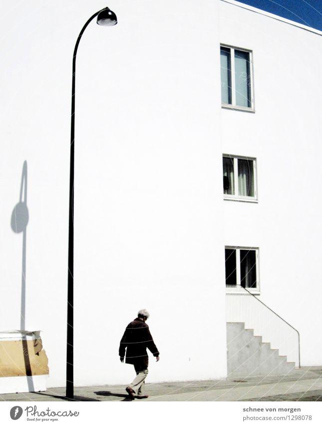 """kulisse Mensch feminin 1 Kopenhagen Kleinstadt Stadtrand Haus Bauwerk Gebäude Architektur Fassade Beton gehen ästhetisch weiß Häusliches Leben """"fenster schatten"""