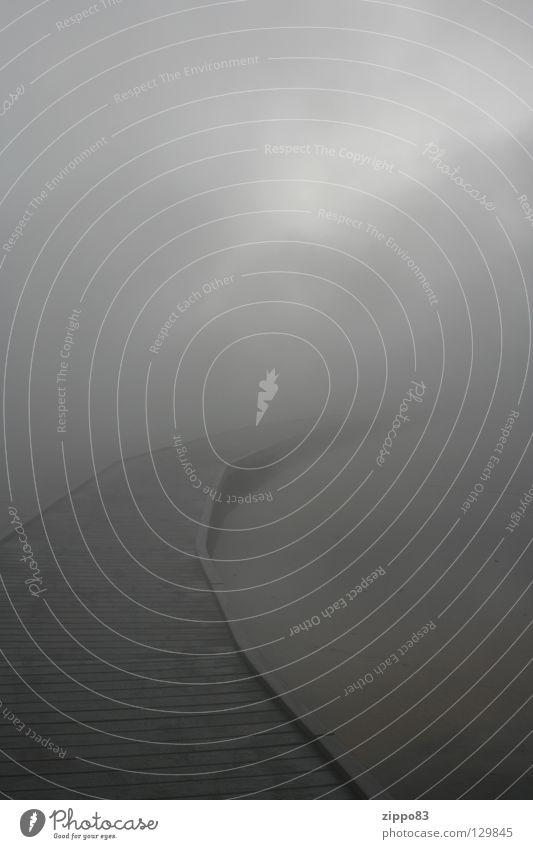 Weg ins Nichts Wasser Wolken kalt Herbst Nebel Steg feucht