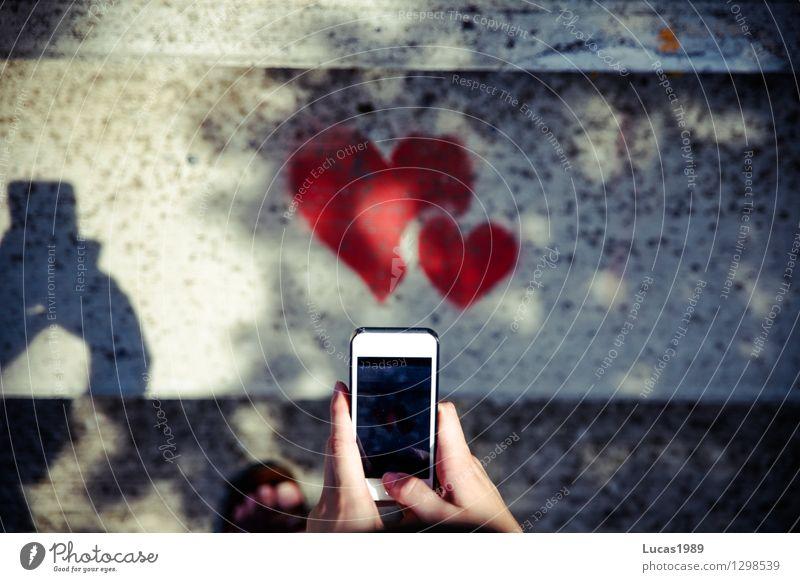 Herzliche Grüße Hand rot Erotik Liebe Graffiti Stil Lifestyle Kunst Zusammensein Freundschaft Design Treppe elegant Kreativität Finger