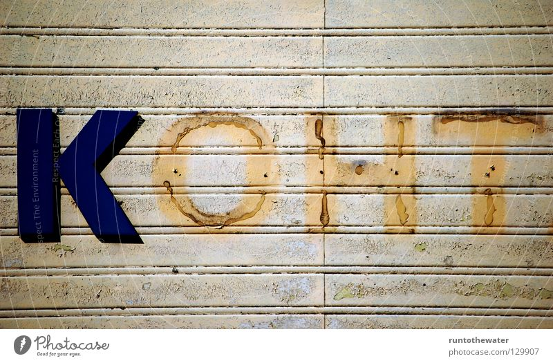 Vergessene Zeiten Einsamkeit Wand Schilder & Markierungen kaputt Schriftzeichen Buchstaben verfallen Kontakt Kot Werbung Rost Leipzig DDR Russland Nostalgie früher