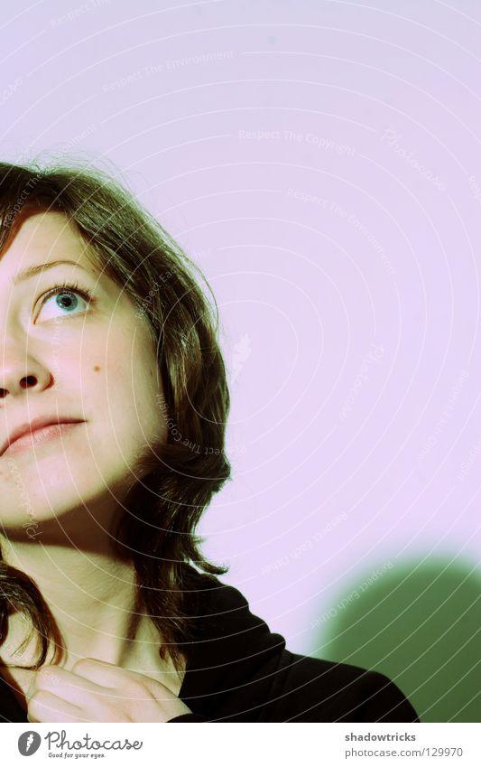 Jo Hanna C Frau violett magenta Wunsch Porträt schwarz Haare & Frisuren Trauer süß träumen Mensch Blick blau Auge Augenrollen Gesicht Bitte bitte Traurigkeit