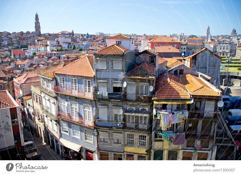Porto II Himmel Stadt alt blau Sommer Haus Fenster Umwelt Wand Straße Wärme Gebäude Mauer hell Horizont Wetter