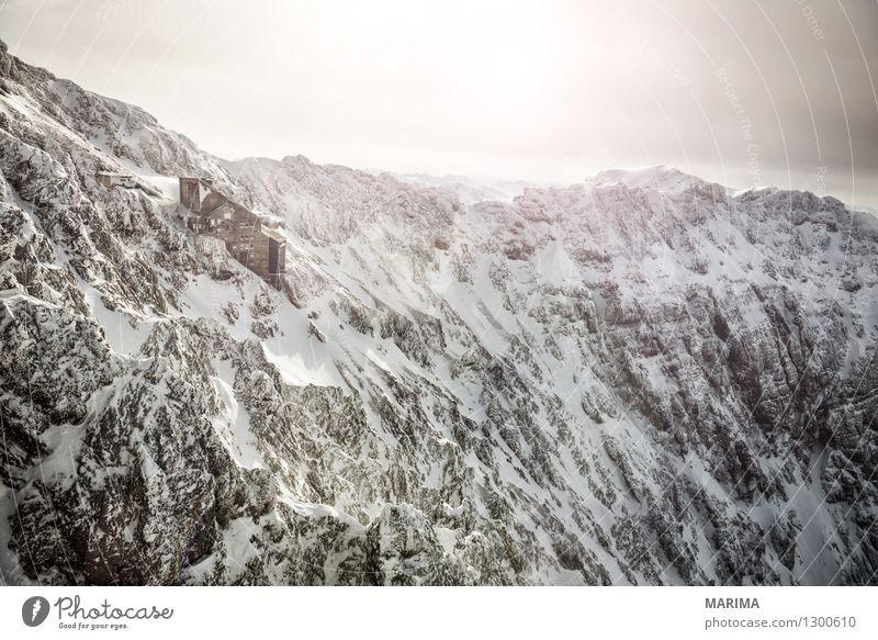 wondervoll winter day on the Zugspitze Natur Ferien & Urlaub & Reisen alt weiß Sonne Landschaft Wolken Haus Winter kalt Berge u. Gebirge Freiheit Stein Deutschland Felsen Tourismus