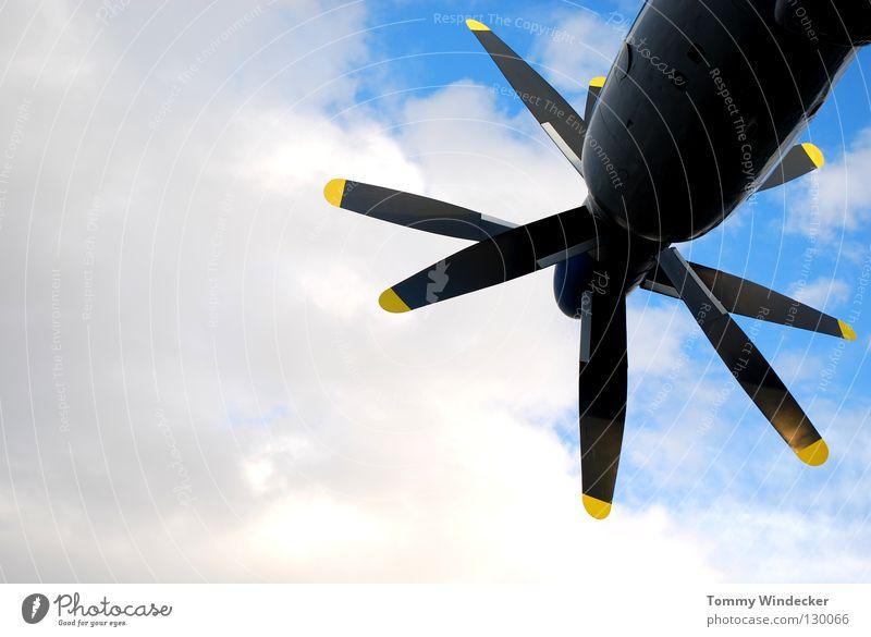Aeronautik alt Himmel blau Wolken Kraft Flugzeug fliegen Kraft Luftverkehr Technik & Technologie Güterverkehr & Logistik Maschine Motor Pilot Triebwerke Propeller