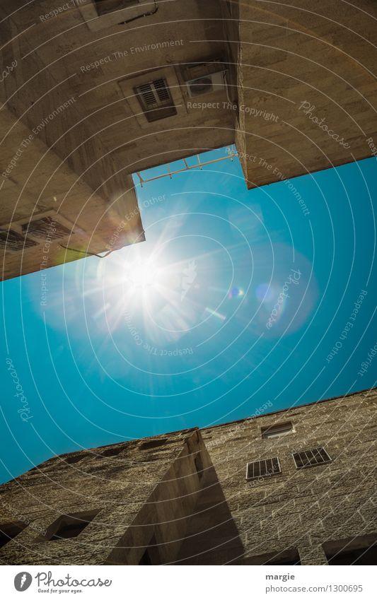 Sonne über Jerusalem II Ferien & Urlaub & Reisen alt blau Sommer Haus Fenster Wand Architektur Gebäude Mauer braun Fassade Schönes Wetter historisch Bauwerk