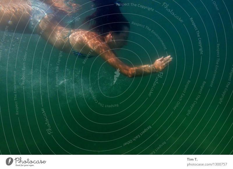 Nixe Mensch feminin 1 13-18 Jahre Jugendliche Natur Wasser Sommer See ästhetisch Freude Sport Ferien & Urlaub & Reisen Mädchen Unterwasseraufnahme Farbfoto
