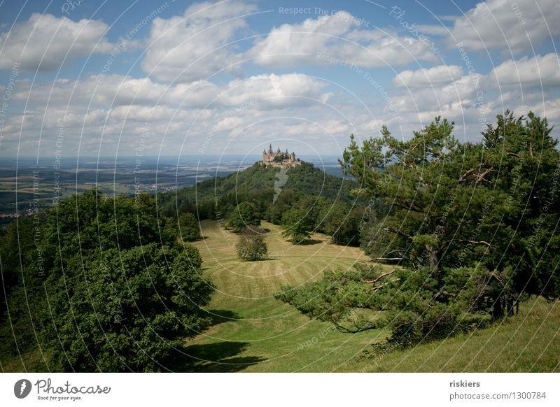 auf zur Burg! Umwelt Natur Landschaft Wolken Sommer Schönes Wetter Wald Hügel Berge u. Gebirge Burg oder Schloss Sehenswürdigkeit Wahrzeichen wandern ästhetisch