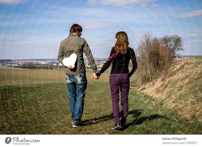 Lebensweg Mensch Natur Jugendliche Junge Frau Landschaft Junger Mann Ferne Gefühle sprechen feminin Freiheit Lifestyle Stimmung gehen Paar maskulin