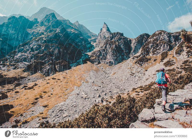 Wanderung in der Tatra Lifestyle Ferien & Urlaub & Reisen Ausflug Abenteuer Freiheit Sommer Berge u. Gebirge wandern Junge 13-18 Jahre Jugendliche Natur Felsen