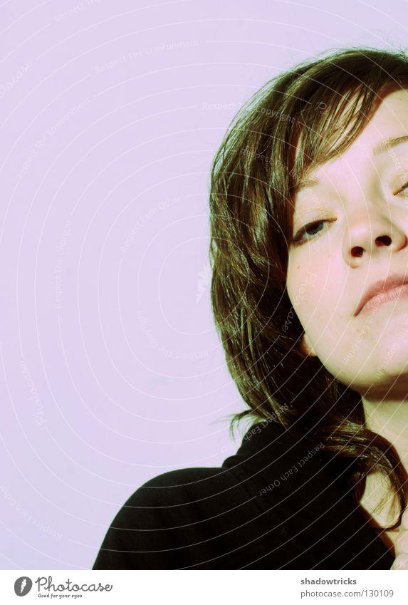 Jo Hanna D Frau Mensch blau Gesicht schwarz Auge oben träumen Haare & Frisuren Traurigkeit Mund Nase hoch Trauer süß violett