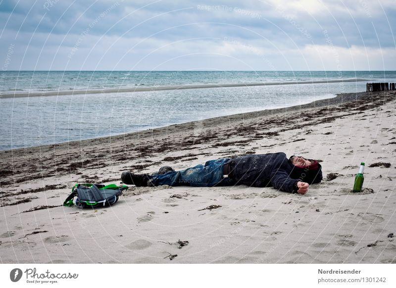 Ankommen am Meer.... Bier Lifestyle Ferien & Urlaub & Reisen Ferne Freiheit Mensch maskulin Junger Mann Jugendliche Erwachsene Leben 1 18-30 Jahre Küste Strand