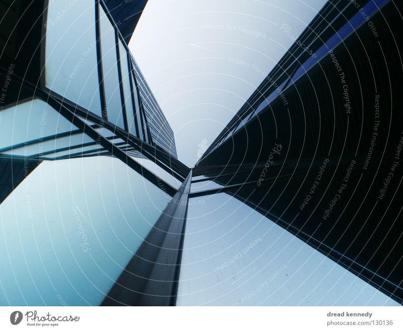 Glasfalter Himmel Stadt blau Fenster Linie Kunst Design Erfolg Hochhaus modern Macht Wachstum Zukunft Bankgebäude