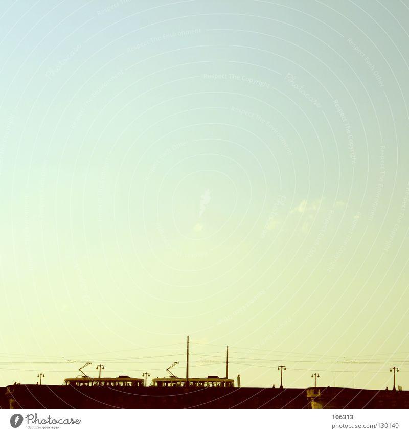 EINFACH MAL RAUS Dresden Brücke U-Bahn S-Bahn Straßenbahn Leitung fahren wegfahren Ferien & Urlaub & Reisen Schönes Wetter Himmel Klarheit deutlich Bahnfahren