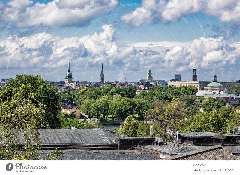 Blick auf Stockholm Ferien & Urlaub & Reisen Stadt blau grün Baum Erholung Wolken Haus Architektur Küste Gebäude Tourismus Hauptstadt Sehenswürdigkeit