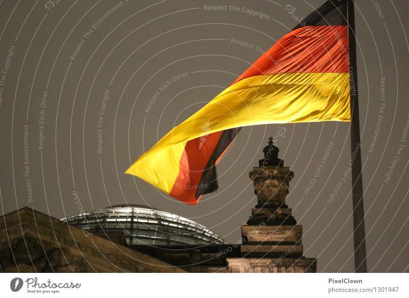Berlin Tourismus Sightseeing Städtereise Nachtleben Architektur Nachthimmel Hauptstadt Bauwerk Gebäude Sehenswürdigkeit Deutscher Bundestag