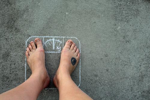 Problemzonen schön Gesunde Ernährung Leben Gesundheit grau Beine Fuß Zufriedenheit Beton Fitness dünn Wohlgefühl Übergewicht Appetit & Hunger dick Figur