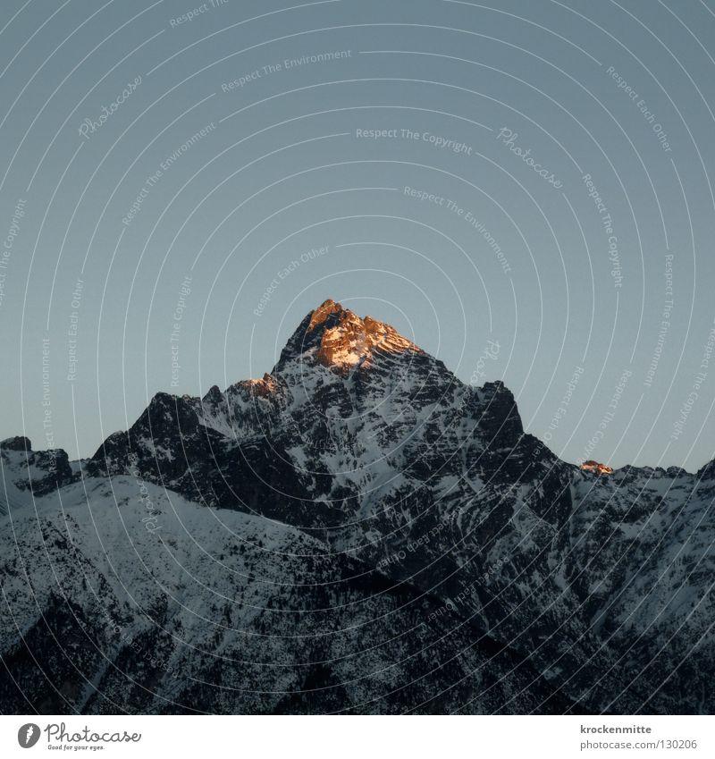Spitzenlicht Himmel Winter Schnee Berge u. Gebirge Stein Beleuchtung Niveau Schweiz Top Bergkette alpin massiv Kamm Abendsonne Höhepunkt