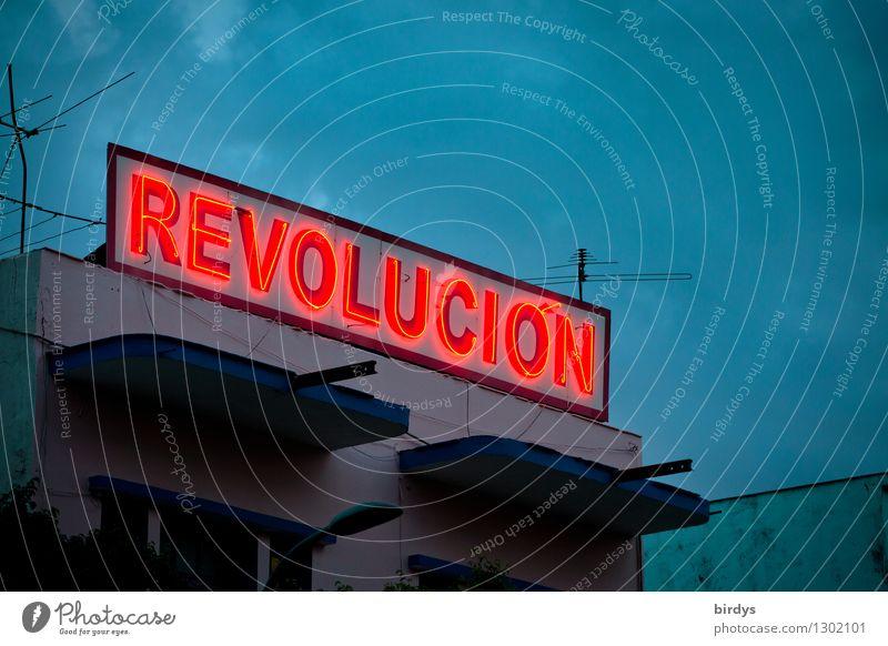 Die Erinnerung lebt Wolken Provinz Santiago de Cuba Kuba Haus Leuchtreklame Zeichen Schriftzeichen leuchten authentisch außergewöhnlich historisch rebellisch