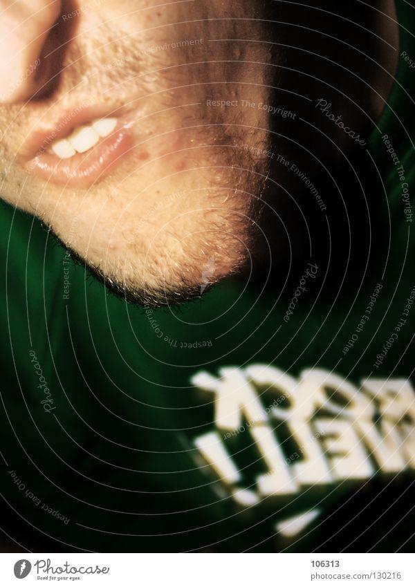 HASENBEIN IM SPIEGEL Kinn Bart Gesicht dumm durchdrehen Mann Grimasse Witz Behinderte Helium maskulin Täuschung Unsinn Mensch Beginn Möhre Wange dünn