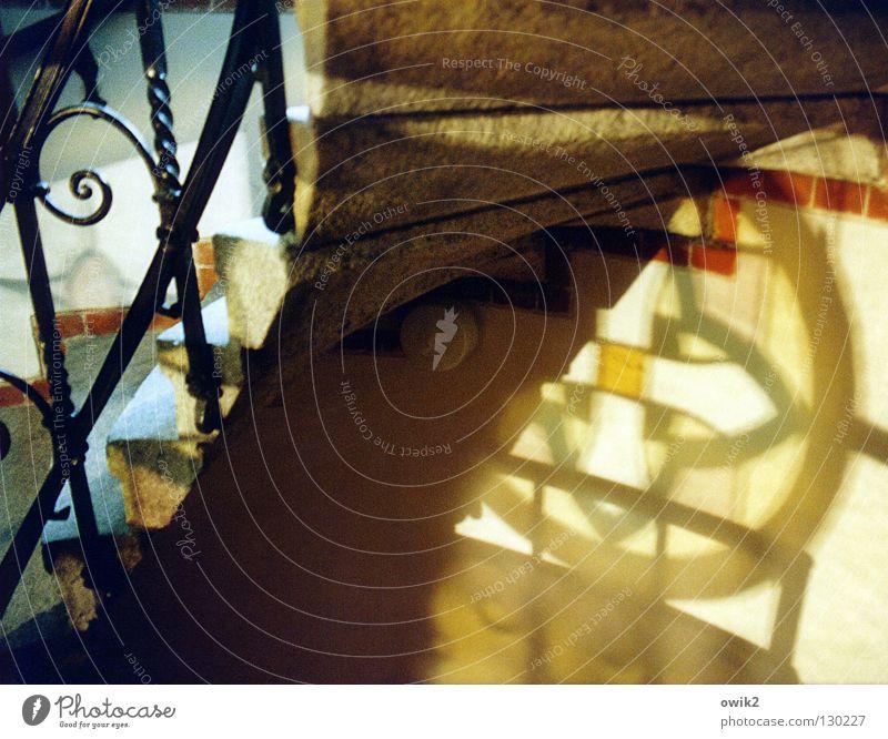 Görlitz, Lutherkirche Deutschland Architektur Mauer Wand Treppe Ornament alt leuchten historisch Halt Treppenhaus Wendeltreppe Eisen schmieden Rundfenster