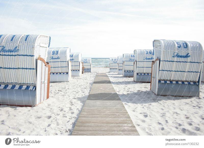 MY WAY INTO THE LIGHT Strand Sommer Sonne Steg Strandkorb Meer Licht Ferien & Urlaub & Reisen Abendsonne Sonnenuntergang Wellen Brandung Freude Sand