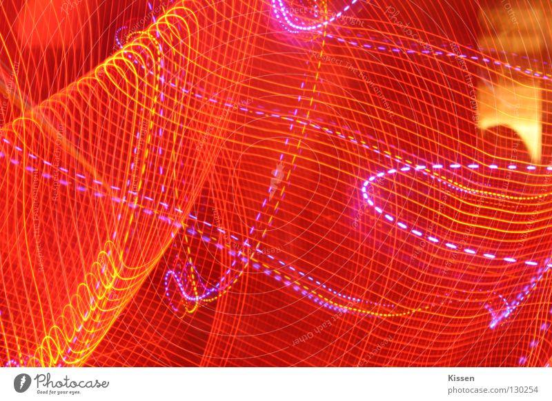Lichterschlauch mal anders rot gelb rosa Streifen Lichtschlauch Club Lichterscheinung Unschärfe