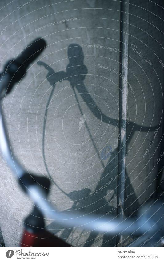 Traumbike schön Freiheit Wege & Pfade Bewegung Wind Fahrrad Freizeit & Hobby Beton Pause Ziel Sauberkeit einfach zeichnen Stahl Jahreszeiten Säule