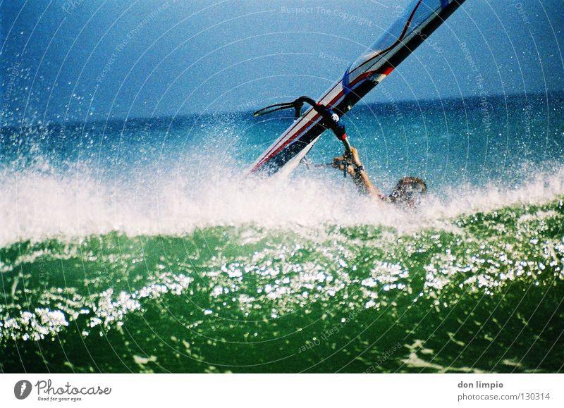(ohne Titel) Meer Surfer Wellen Fuerteventura analog bearbeitet Wassersport Wind