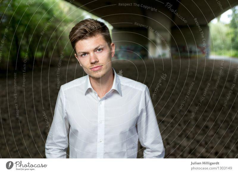 dir Lifestyle elegant Stil Abenteuer Wirtschaft Business Karriere maskulin Junger Mann Jugendliche 1 Mensch 18-30 Jahre Erwachsene Umwelt Natur Mode Hemd