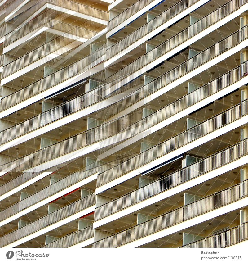 Kapitalistische Utopie Strand Ferien & Urlaub & Reisen Haus träumen Traurigkeit Architektur Italien Hotel Balkon Alkohol Spanien Andalusien Tequila Mallorca Klischee Westen