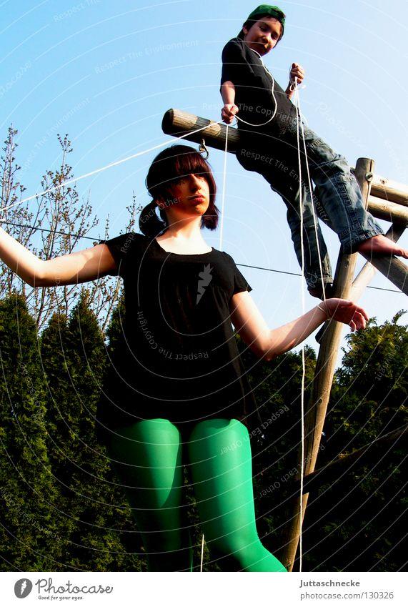 Wir sind Marionetten Spielen Puppenspieler Macht Schwäche führen Nähgarn Fäden ziehen Juttaschnecke obven gesteuert lenken gekenkt ferngesteuert