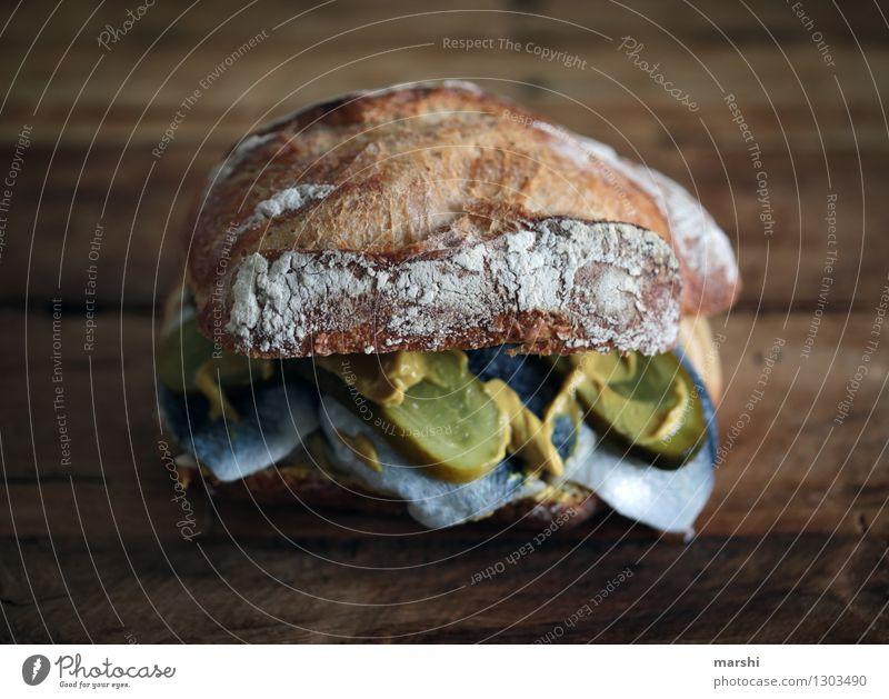 Fischhappen Lebensmittel Teigwaren Backwaren Brot Brötchen Ernährung Essen Fastfood Stimmung Appetit & Hunger rollmops Snack lecker Gurke Senf Gurkenscheibe