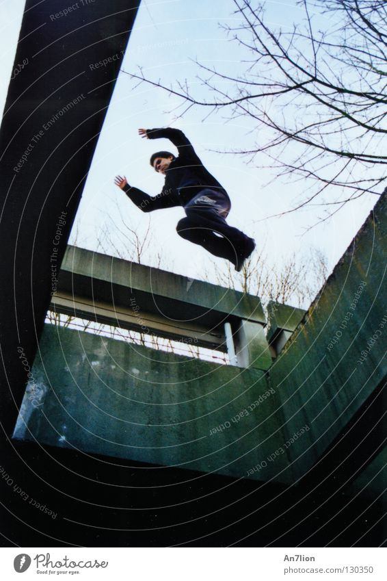 Saut de précision springen Studium Student Barriere anstrengen Präzision Le Parkour Bochum Extremsport