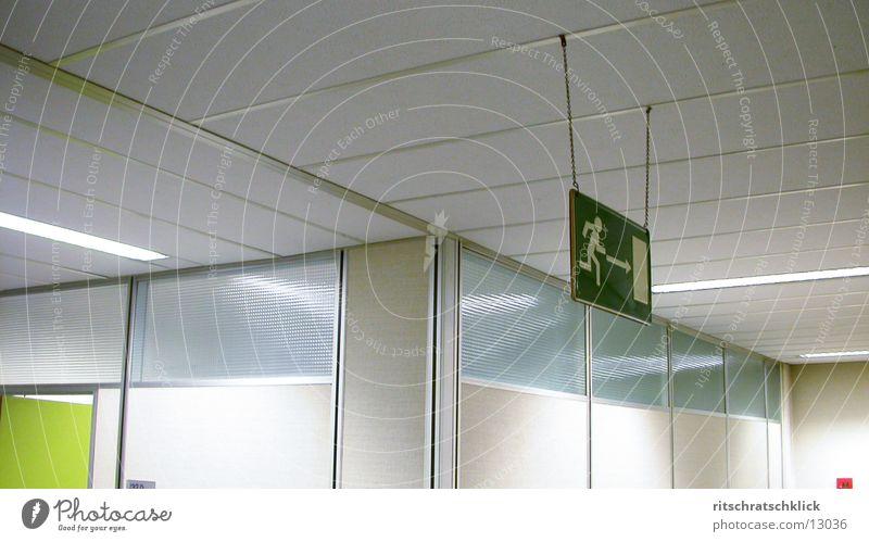 weggabelung Schilder & Markierungen Flur Fototechnik Abzweigung Notausgang