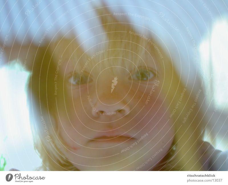 vertraeumt Kind Mädchen Gesicht