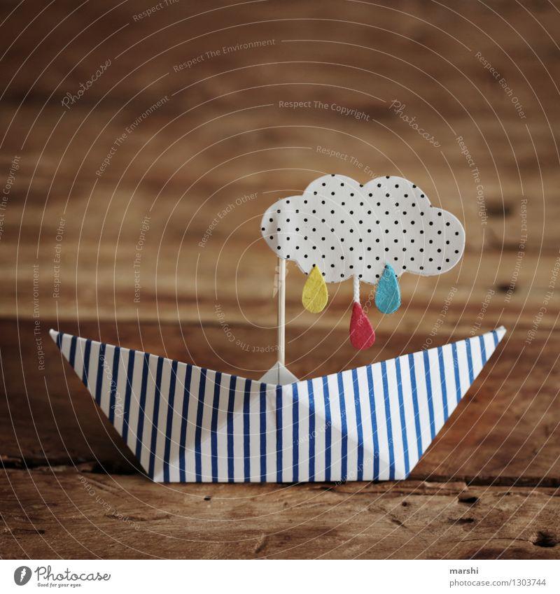 Regenwetter Umwelt Wolken Gewitter Zeichen Gefühle Stimmung Wasserfahrzeug Papierschiff Regenwolken selbstgemacht Basteln Holztisch Symbole & Metaphern
