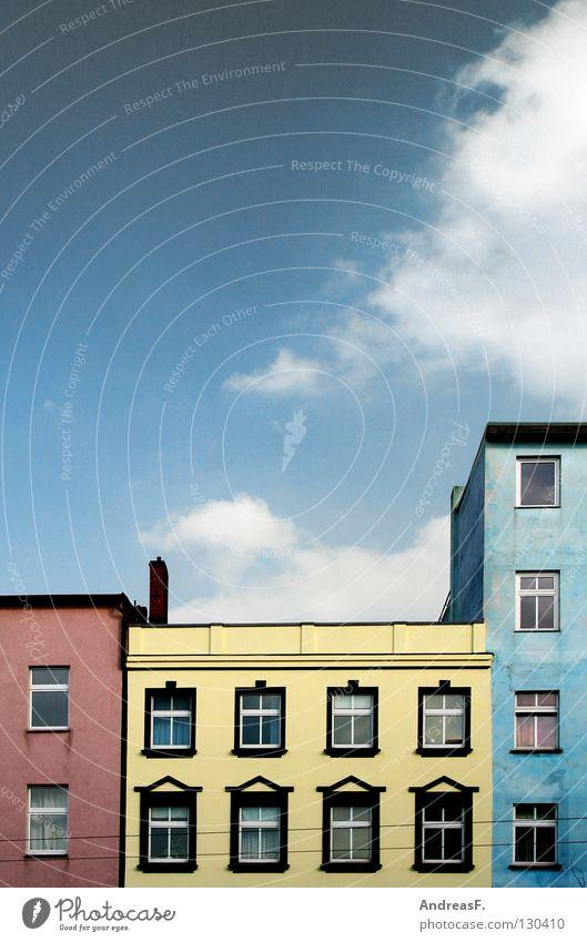 Tricolore mehrfarbig Haus Fenster Wohnung rot gelb Fassade Wand Wolken Pastellton Putz Nachbar Cottbus dreifarbig 3 Dach Haushalt Hochhaus Wohnungssuche Makler