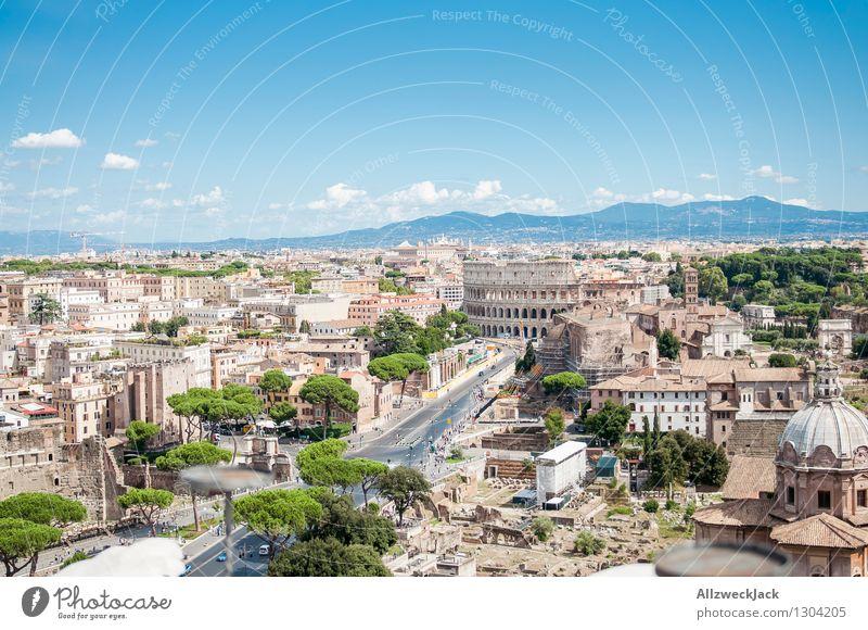 Rom I Italien Europa Hauptstadt Stadtzentrum Altstadt Skyline Ruine Sehenswürdigkeit Wahrzeichen Denkmal Kolosseum alt ästhetisch historisch Abenteuer elegant