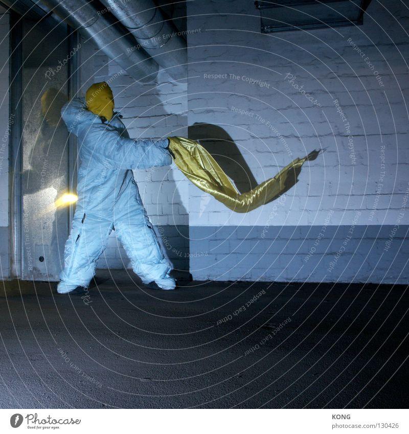 ruhig gelber ! Geschwindigkeit grau-gelb Anzug Schutzanzug verdunkeln Garage Tiefgarage Parkhaus Parkplatz Asphalt Zauberei u. Magie zudecken Textilien Stoff