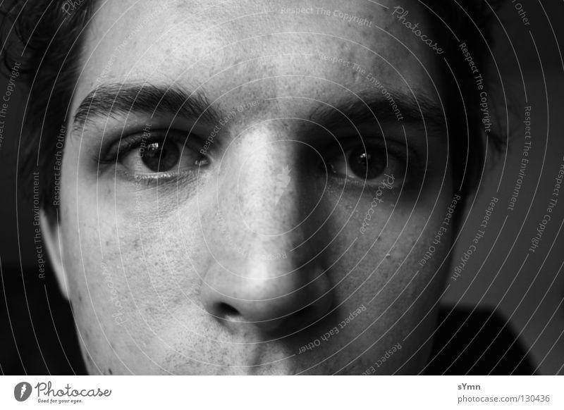 Augenblick Selbstportrait Augenbraue schwarz weiß grau dunkel Pore Pupille glänzend Mensch Schwarzweißfoto Makroaufnahme Nahaufnahme Ich Nase Mund hell Kontrast