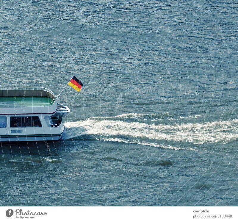 bye bye Wasserfahrzeug Fahne Wellen Schaum Deutschland schwarz rot Strömung Meer Gewässer Binnenschiff Nationalitäten u. Ethnien schäumen Wellengang