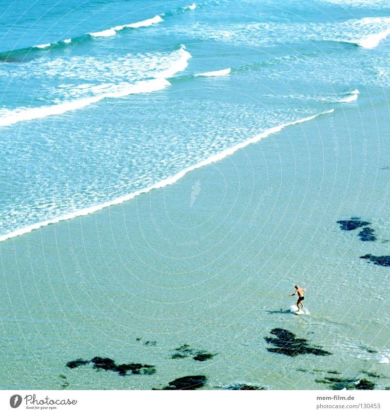 strandsurfer Himmel blau Wasser grün Ferien & Urlaub & Reisen Sommer Strand Ferne Spielen Sand klein Wellen feucht Nordsee Surfer Wattenmeer