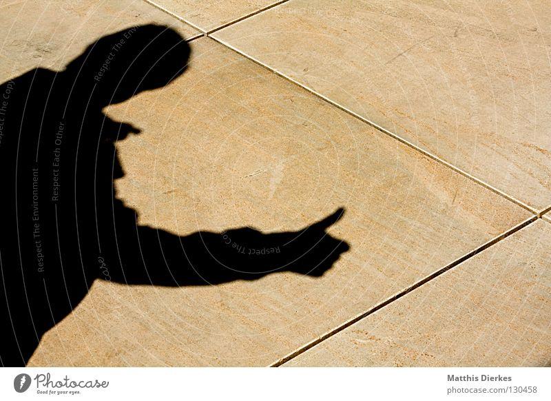 THINK POSITIVE positiv Fröhlichkeit sympathisch Gute Laune Finger Optimist Optimismus Silhouette Sandstein Jacke Unbekümmertheit Kommentar bewerten Meinung