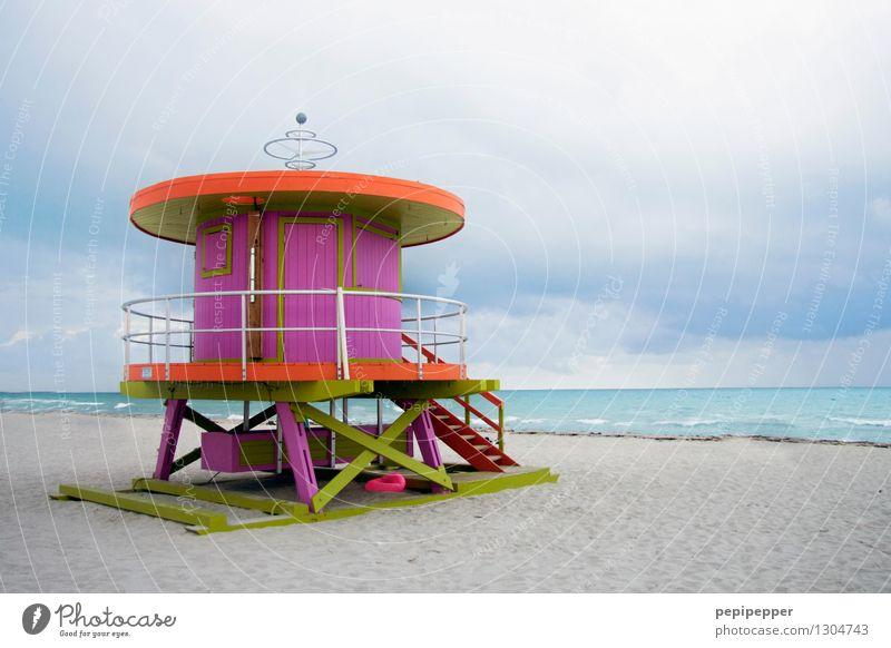 bunte Lebensretter_4 Lifestyle Wellness Schwimmen & Baden Ferien & Urlaub & Reisen Tourismus Sommerurlaub Strand Meer Wellen Sehenswürdigkeit Wahrzeichen Holz