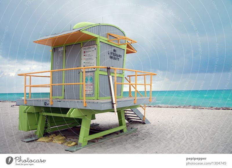bunte Lebensretter Lifestyle Wellness Schwimmen & Baden Ferien & Urlaub & Reisen Tourismus Sommerurlaub Strand Meer Wellen Sand Wasser Himmel Küste