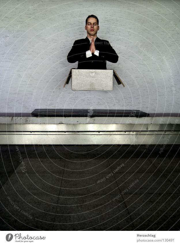 Mr. Black Wand fliegen Bank Papier Konzentration Anzug Jacke Lautsprecher Karton Überraschung abgehoben