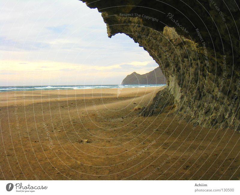 Das, was bleibt Meer Strand Einsamkeit Wolken Küste Sand Stein Horizont Erde Felsen Wind Costa Rica Leidenschaft bizarr dramatisch gemalt