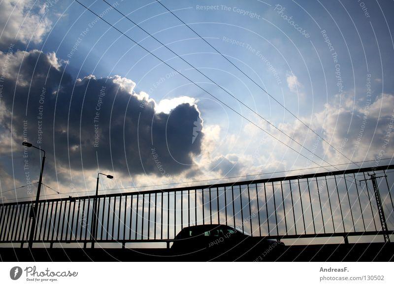 Himmelfahrt Wolken Kabel fahren Laterne Verkehr Straßenverkehr Brückenbau Schnellstraße Umwelt Umweltverschmutzung Feinstaub Verkehrssicherheit Sicherheit