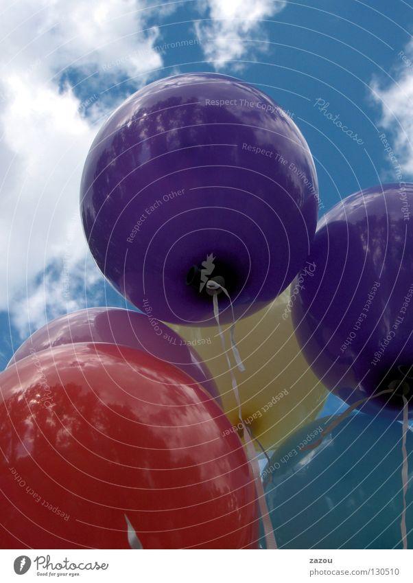 Himmelsstürmer blau rot Wolken gelb Farbe fliegen Luftballon violett Sportveranstaltung Helium