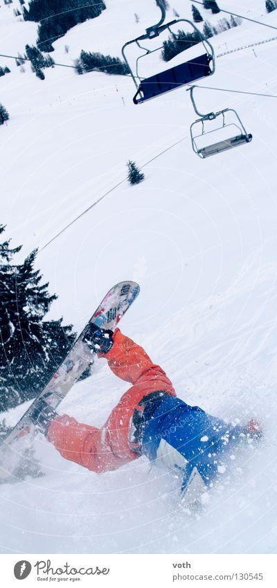 Kieferbruch Berge u. Gebirge Schnee orange gefährlich Risiko Sturz Momentaufnahme gebrochen abwärts Desaster Snowboard Wintersport Missgeschick Skipiste Sesselbahn kopfvoran